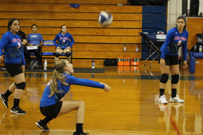 McKenna Redig digging the ball!