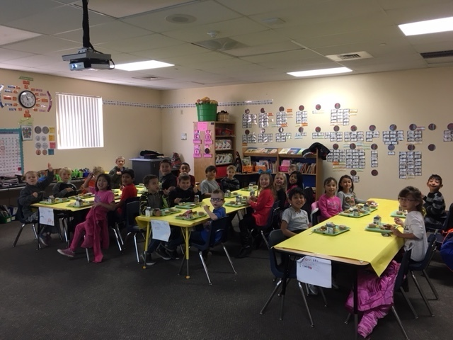 3rd grade eating in their class room.